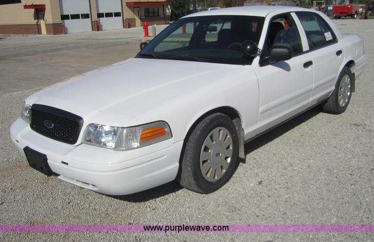 D5703.JPG - 2008 Ford Crown Victoria Police Interceptor , 70,147 actual miles , Miles may vary , 4 6L V8 EFI eng...