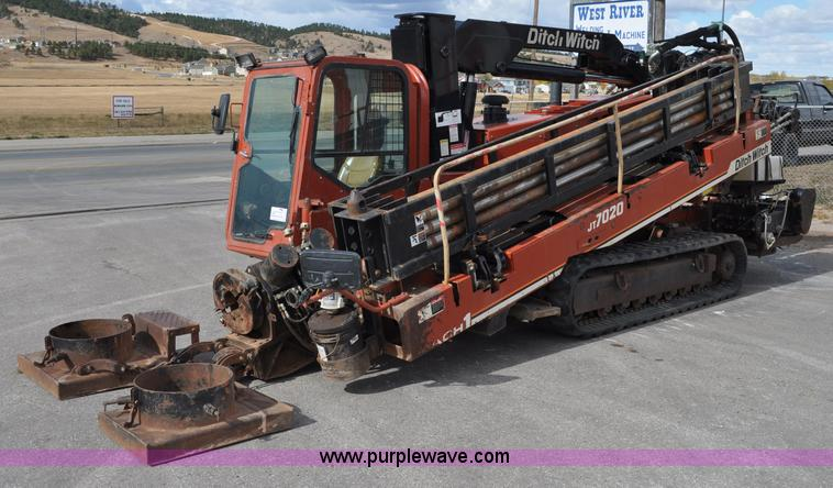 C3059.JPG - 2000 Ditch Witch 7020 directional drill , 2,993 hours on meter , Deutz 7 15L six cylinder 265 hp die...
