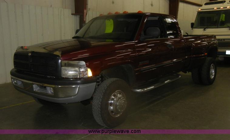 D4678.JPG - 2001 Dodge Ram Laramie 3500 SLT extended Cab pickup truck , 231,152 miles on odometer , Cummins 5 9L...