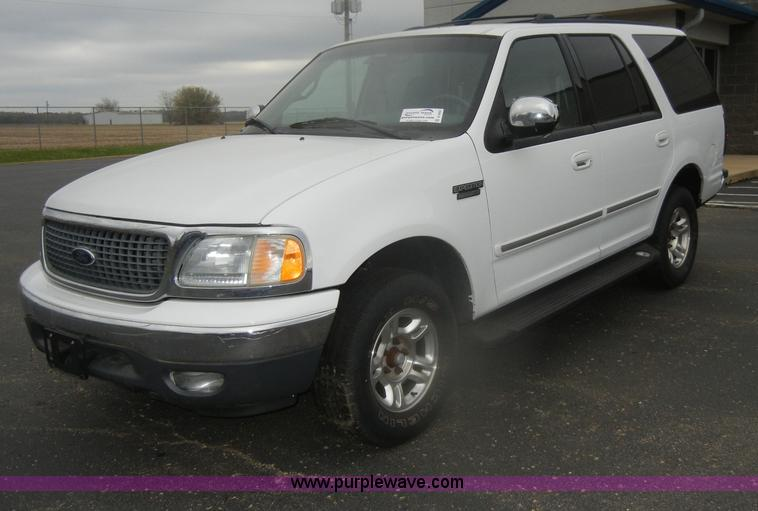 D4902.JPG - 2002 Ford Expedition XLT SUV, Non repairable title, parts only , 117,223 miles on odometer , Triton ...