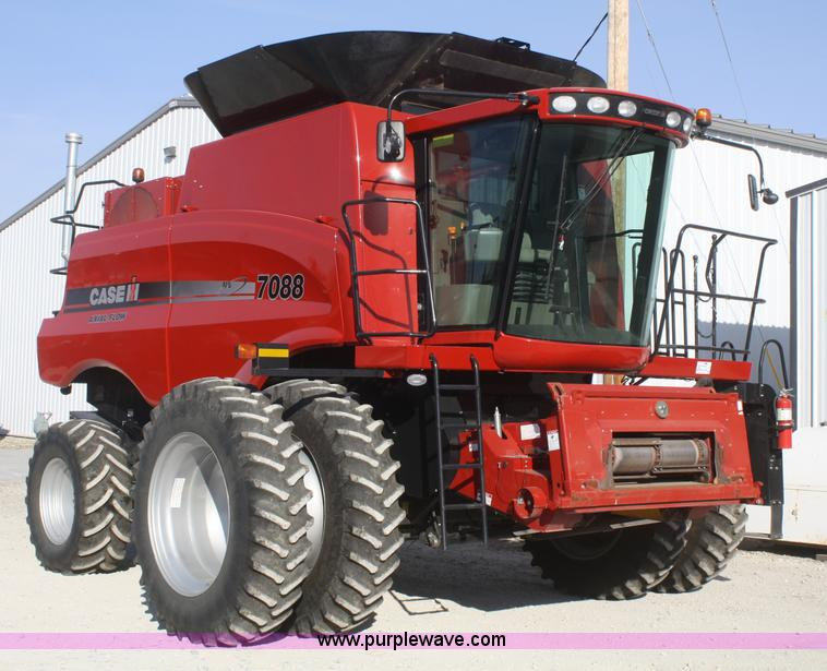 F2716.JPG - 2009 Case IH 7088 Axial Flow combine , 929 engine hours on meter , 618 separator hours on meter , Cu...