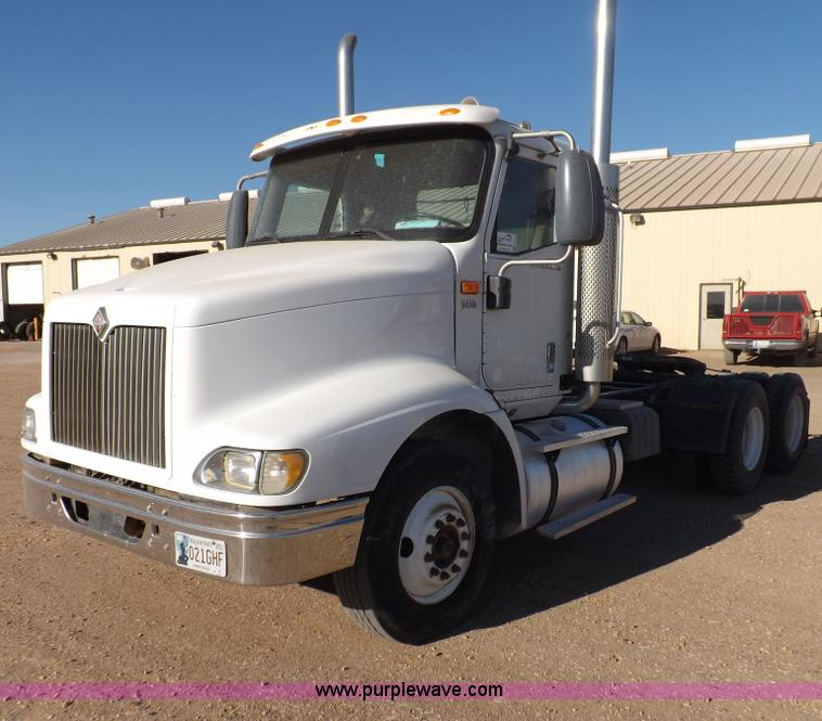 F6318.JPG - 2003 International 9200i semi truck , 462,041 miles on odometer , Cummins ISX 14 9L L6 diesel engine...