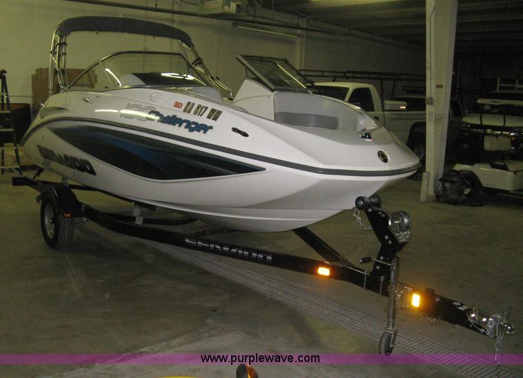 B8242.JPG - 2008 SeaDoo 180 Challenger boat , 13 hours on meter , Rotax 215 HP gas engine , 18L , Fiberglass hul...
