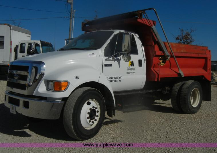 D4717.JPG - 2004 Ford F650 XL Super Duty dump truck , 48,073 miles on odometer , Caterpillar 3126E 7 2L L6 diese...