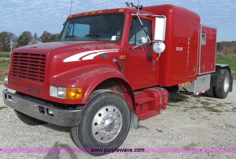 E3541.JPG - 1995 International Navistar 4700 semi truck , 612,650 miles on odometer , International DT466 7 6L L...