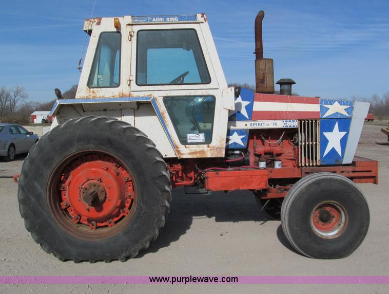 E5738A.JPG - 1976 Case 1570 Spirit of 76 tractor , 4,512 hours on meter , Case six cylinder diesel engine , 152 H...