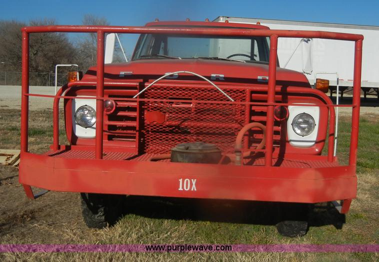 D4520A.JPG - 1974 Ford F600 truck , 34,107 miles on odometer , Gas engine , Four speed manual transmission , Four...