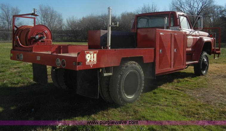 D4520D.JPG - 1974 Ford F600 truck , 34,107 miles on odometer , Gas engine , Four speed manual transmission , Four...