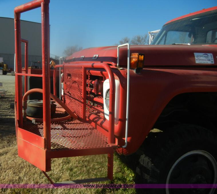 D4520ZE.JPG - 1974 Ford F600 truck , 34,107 miles on odometer , Gas engine , Four speed manual transmission , Four...
