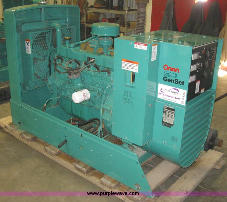 B8334.JPG - Onan 30 EK generator , 1,002 hours on meter , Spec L30728R , LPG vapor or natural gas , 120/240V sin...