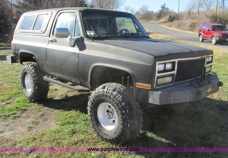 F4124.JPG - 1989 Chevrolet K5 Blazer SUV , 39,813 miles on odometer , 5 7L V8 OHV 16V gas engine , Automatic tra...