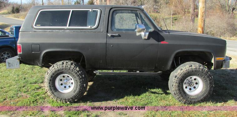 F4124A.JPG - 1989 Chevrolet K5 Blazer SUV , 39,813 miles on odometer , 5 7L V8 OHV 16V gas engine , Automatic tra...