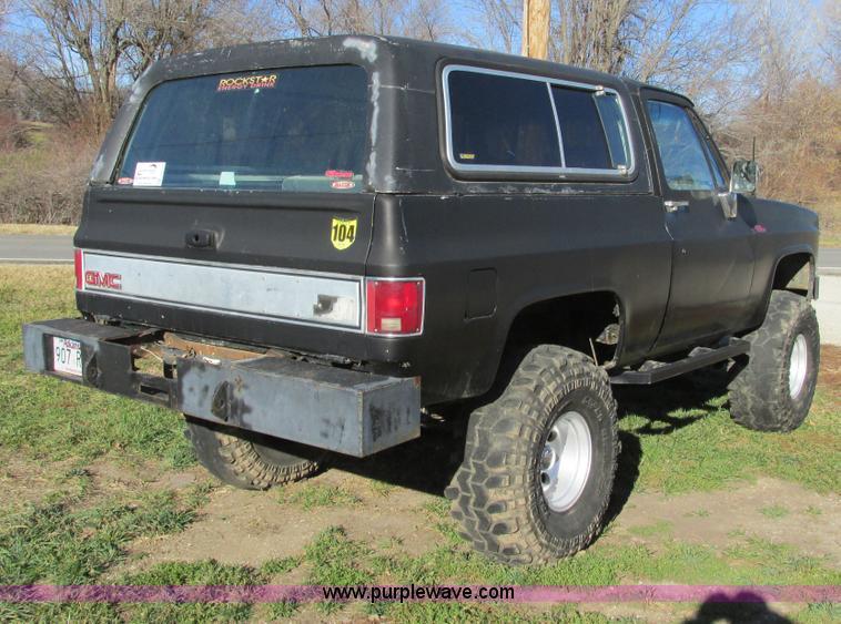 F4124B.JPG - 1989 Chevrolet K5 Blazer SUV , 39,813 miles on odometer , 5 7L V8 OHV 16V gas engine , Automatic tra...