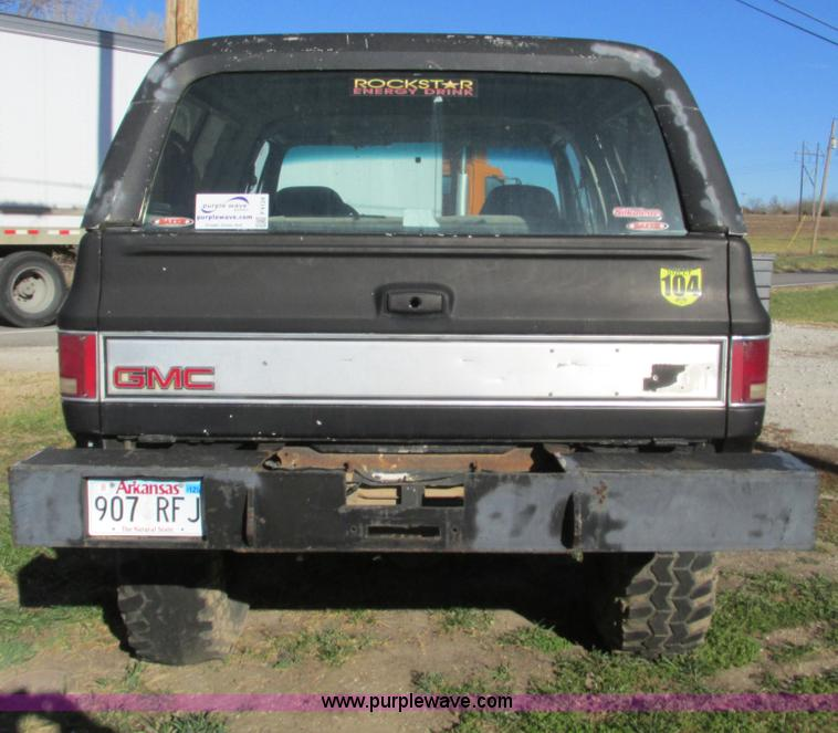 F4124C.JPG - 1989 Chevrolet K5 Blazer SUV , 39,813 miles on odometer , 5 7L V8 OHV 16V gas engine , Automatic tra...