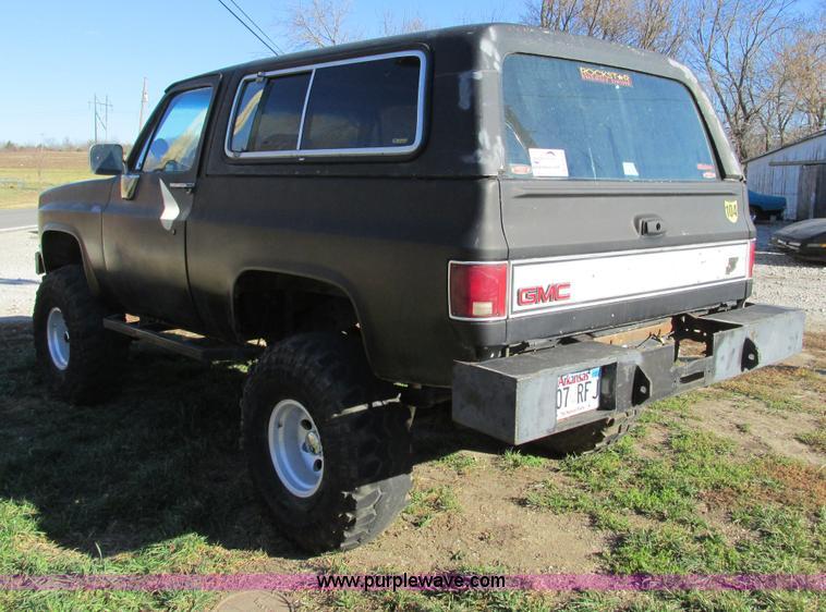 F4124D.JPG - 1989 Chevrolet K5 Blazer SUV , 39,813 miles on odometer , 5 7L V8 OHV 16V gas engine , Automatic tra...