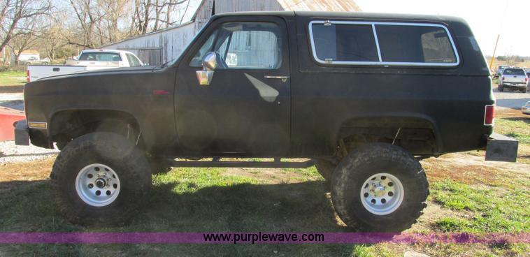 F4124E.JPG - 1989 Chevrolet K5 Blazer SUV , 39,813 miles on odometer , 5 7L V8 OHV 16V gas engine , Automatic tra...