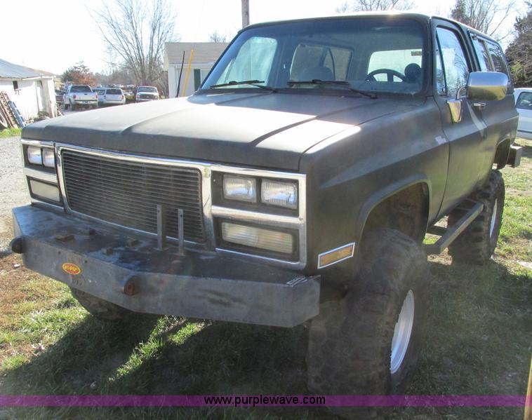 F4124F.JPG - 1989 Chevrolet K5 Blazer SUV , 39,813 miles on odometer , 5 7L V8 OHV 16V gas engine , Automatic tra...