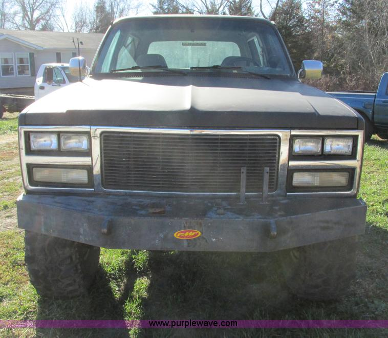 F4124G.JPG - 1989 Chevrolet K5 Blazer SUV , 39,813 miles on odometer , 5 7L V8 OHV 16V gas engine , Automatic tra...