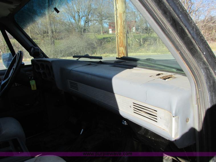 F4124S.JPG - 1989 Chevrolet K5 Blazer SUV , 39,813 miles on odometer , 5 7L V8 OHV 16V gas engine , Automatic tra...