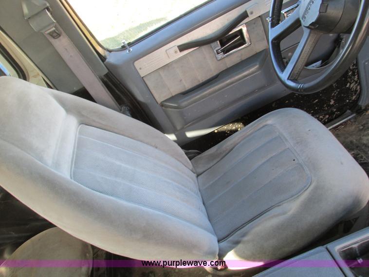 F4124ZD.JPG - 1989 Chevrolet K5 Blazer SUV , 39,813 miles on odometer , 5 7L V8 OHV 16V gas engine , Automatic tra...