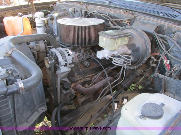 F4124ZJ.JPG - 1989 Chevrolet K5 Blazer SUV , 39,813 miles on odometer , 5 7L V8 OHV 16V gas engine , Automatic tra...