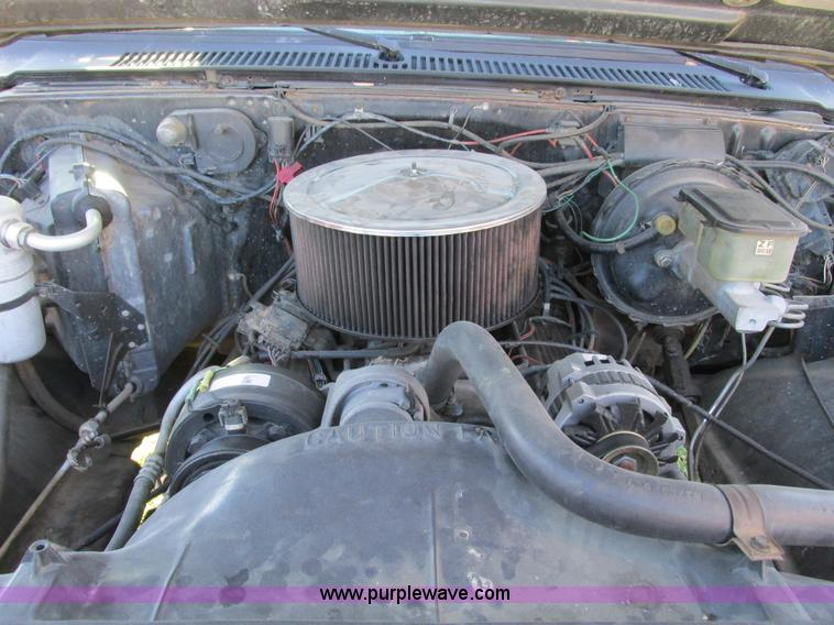 F4124ZK.JPG - 1989 Chevrolet K5 Blazer SUV , 39,813 miles on odometer , 5 7L V8 OHV 16V gas engine , Automatic tra...