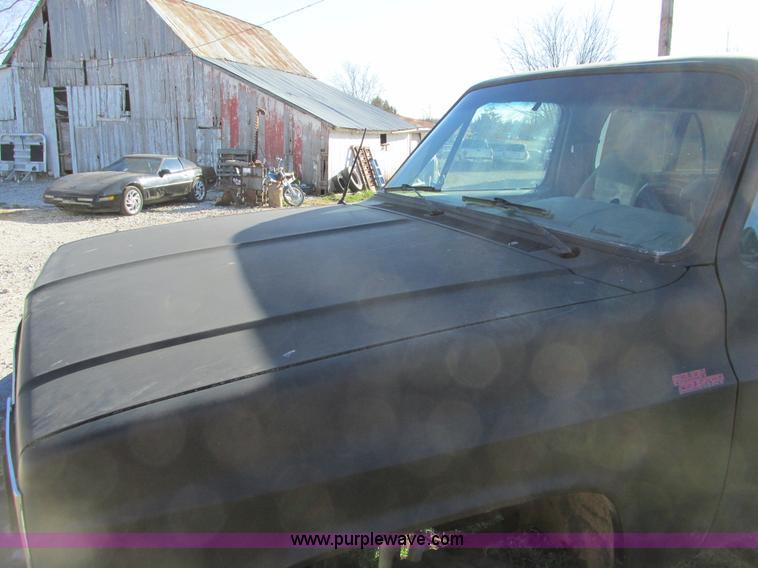 F4124ZO.JPG - 1989 Chevrolet K5 Blazer SUV , 39,813 miles on odometer , 5 7L V8 OHV 16V gas engine , Automatic tra...