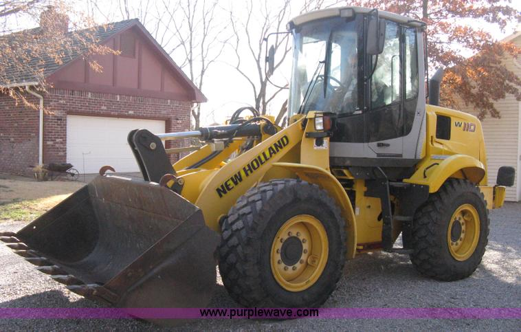 B8469.JPG - 2006 New Holland W110 wheel loader , 1,552 actual hours , New Holland four cylinder diesel engine , ...