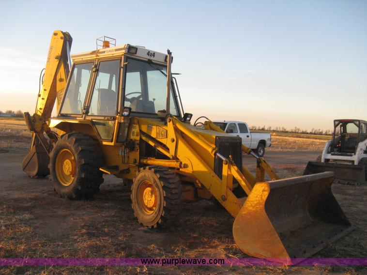 B8476.JPG - 1990 JCB 1400B Extradig backhoe , 2,515 hours on meter , Four cylinder turbo diesel engine , Serial ...
