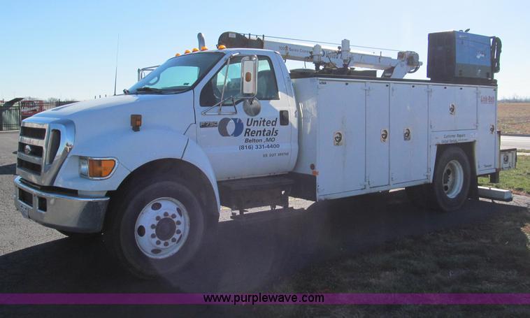 E5838.JPG - 2005 Ford F750 XLT Super Duty service truck , 227,302 miles on odometer , Cummins ISB260 5 9L L6 tur...