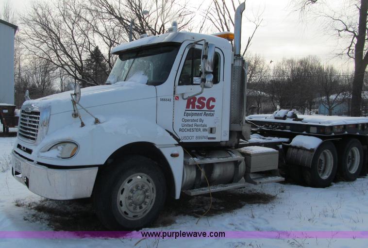 F5883.JPG - 2005 Freightliner Columbia CL120ST semi truck , 359,277 miles on odometer , Caterpillar C13 12 5L L6...