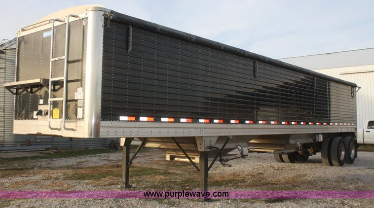 F2896.JPG - 2010 Stoughton double hopper grain trailer , 42L x 96 quot W , 1010 quot H overall , Load gauge , Du...