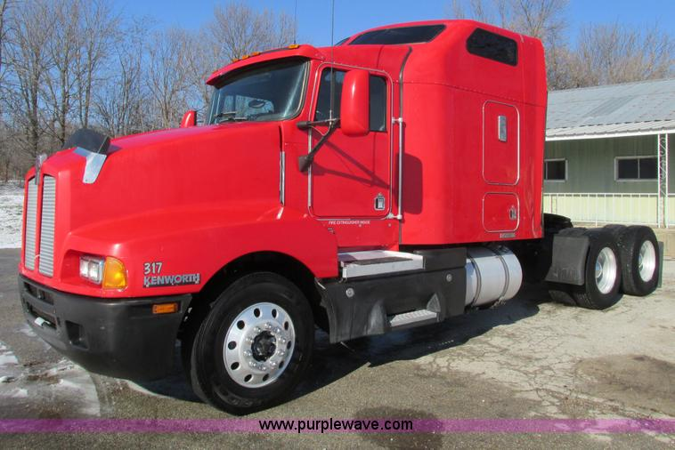 F4162.JPG - 2003 Kenworth T600 semi truck , 958,423 miles on odometer , Cummins N14 460E 14 1L L6 diesel engine ...