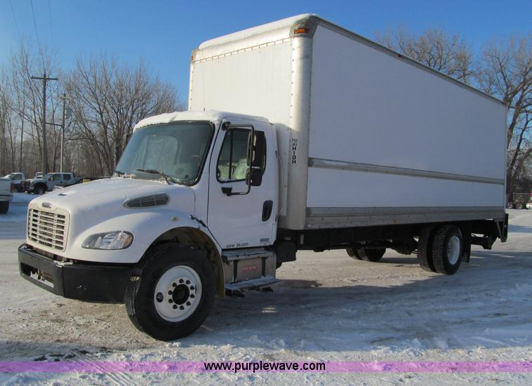 F5888.JPG - 2007 Freightliner M2 Business Class semi truck , 255,882 actual miles , Caterpillar C7 7 2L L6 diese...