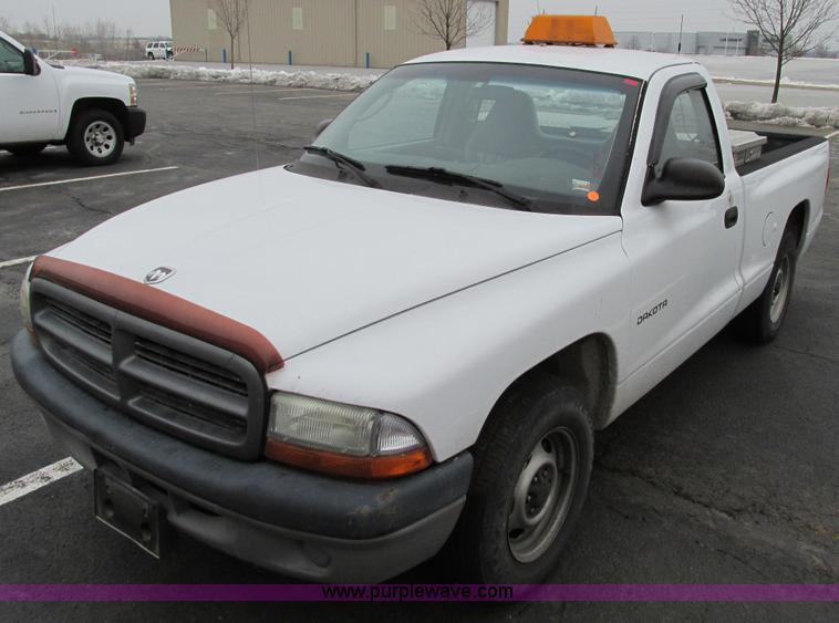 F4191.JPG - 2001 Dodge Dakota pickup truck , 118,541 miles on odometer , 3 9L V6 OHV 12V gas engine , Automatic ...