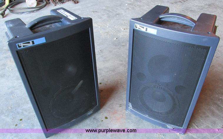 Y9699.JPG - Anchor Audio Liberty 4500 loud speakers , Speaker covers , 115V , 50 watt max , Microphone , Power c...