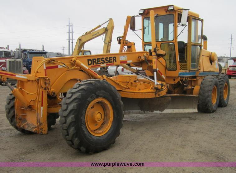 D5760.JPG - 1987 Dresser A500E motor grader , 3,057 hours on meter , International DT466 six cylinder turbo dies...