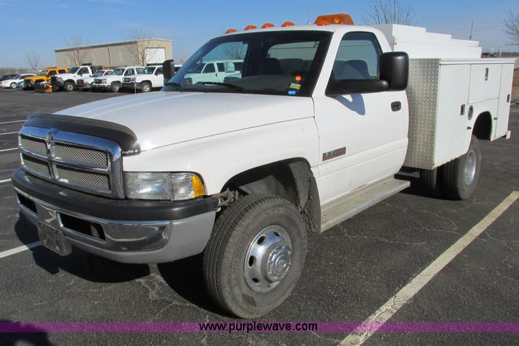 F4174.JPG - 2001 Dodge Ram 3500 service truck , 169,946 miles on odometer , 5 9L L6 OHV 24V turbo diesel engine ...