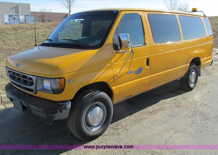 F4175.JPG - 2002 Ford Econoline E350 van , 160,374 miles on odometer , 5 4L V8 SOHC 16V gas engine , Automatic t...