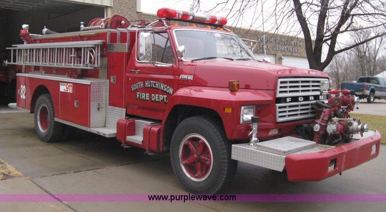 B8446.JPG - 1980 Ford F700 firetruck , 5,103 miles on odometer , 429 4V Lima eight cylinder gas engine , Five sp...