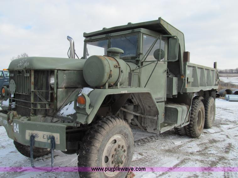 E3638.JPG - 1972 Am General five ton dump truck , 17,596 miles on odometer , 2,337 hours on meter , Cummins 250 ...