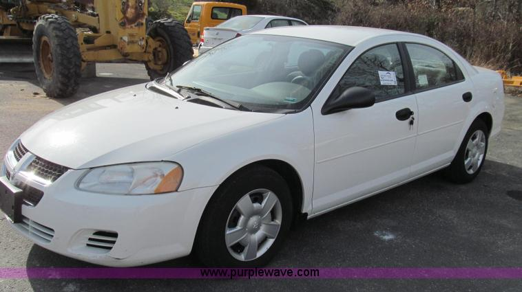 E3642.JPG - 2004 Dodge Stratus SE , 132,424 miles on odometer , 2 7L V6 DOHC 24V FFV gas engine , Automatic tran...