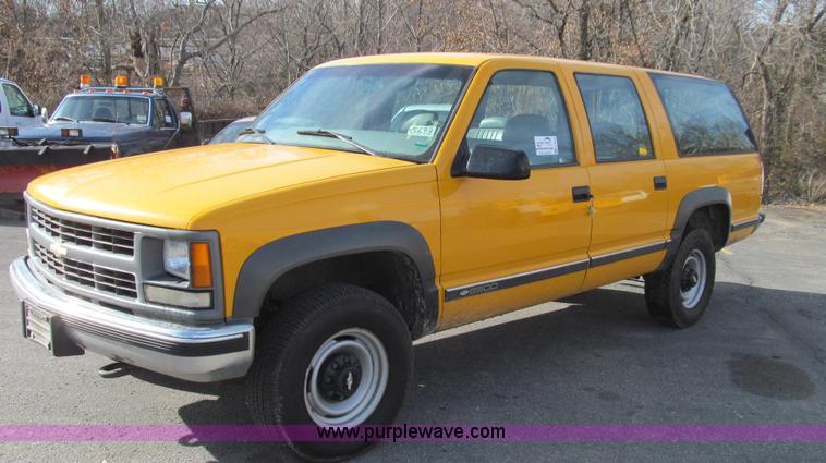 E3643.JPG - 1997 Chevrolet Suburban K2500 SUV , 121,708 miles on odometer , 5 7L V8 OHV 16V gas engine , Automat...