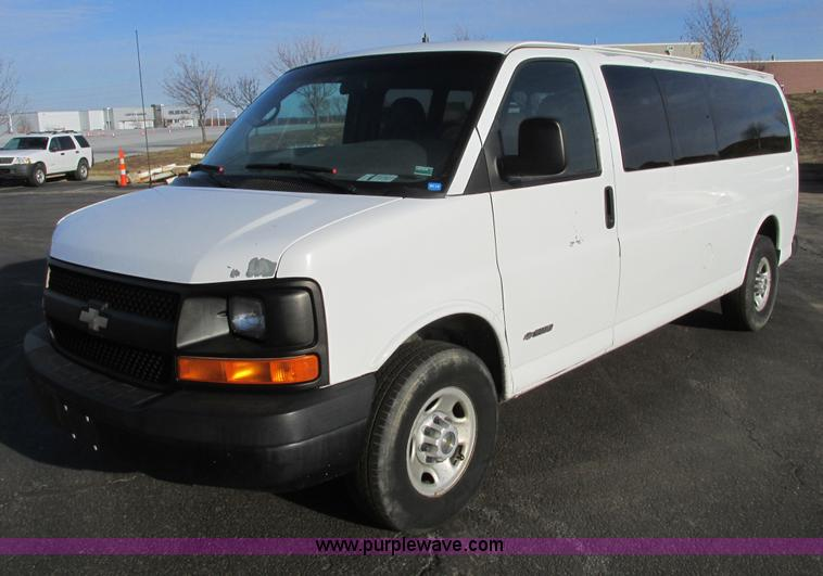 F4171.JPG - 2004 Chevrolet Express 3500 van , 158,138 miles on odometer , 6 0L V8 OHV 16V gas engine , Automatic...