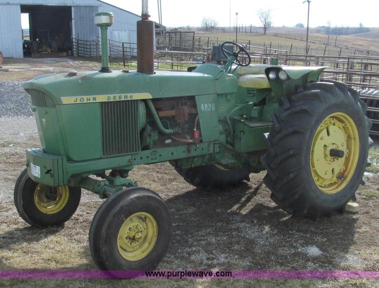 E3664.JPG - 1968 John Deere 4020 tractor , 4,265 hours on meter , John Deere six cylinder gas engine , Serial R3...