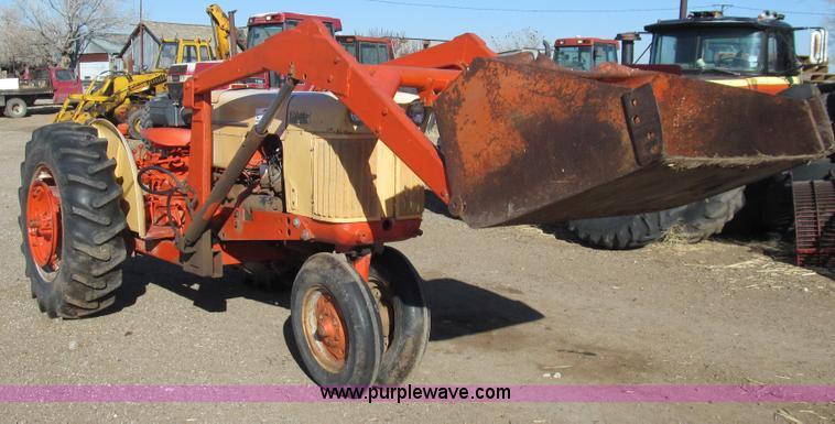 G5597.JPG - Case 400 411 B tractor , JI Case 2 4L four cylinder gas engine , 37 HP , Manual transmission , 4F 2R...