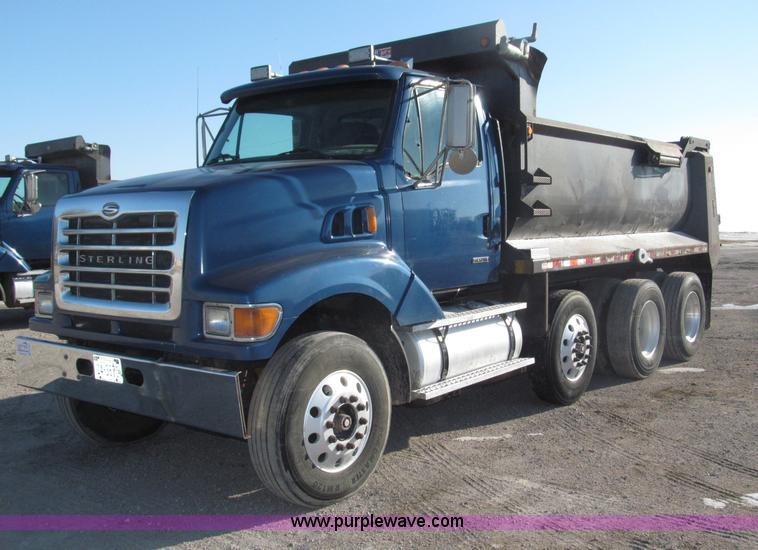 B5321.JPG - 2001 Sterling LT9501 tri axle dump truck , 312,940 actual miles , Caterpillar 3126B 7 2L diesel engi...