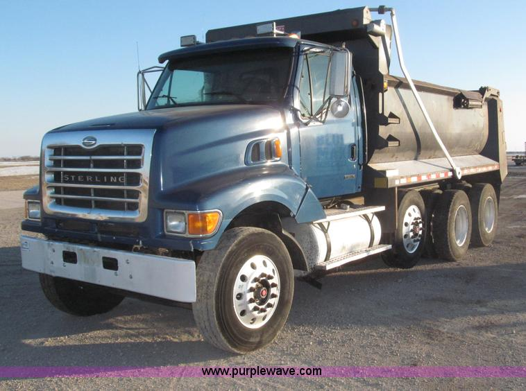 B5324.JPG - 2001 Sterling LT9501 tri axle dump truck , 345,690 actual miles , Caterpillar 3126 7 2L diesel engin...