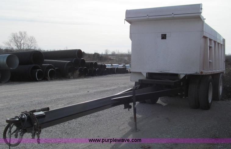 E3689.JPG - 1997 Brady Equipment pup trailer , 14L aluminum bed , 57 quot H sides , Air suspension , Roll back t...