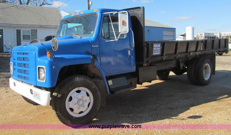 F4687.JPG - 1985 International 1654 S1600 dump truck , 34,046 miles on odometer , International DT420 6 9L V8 di...